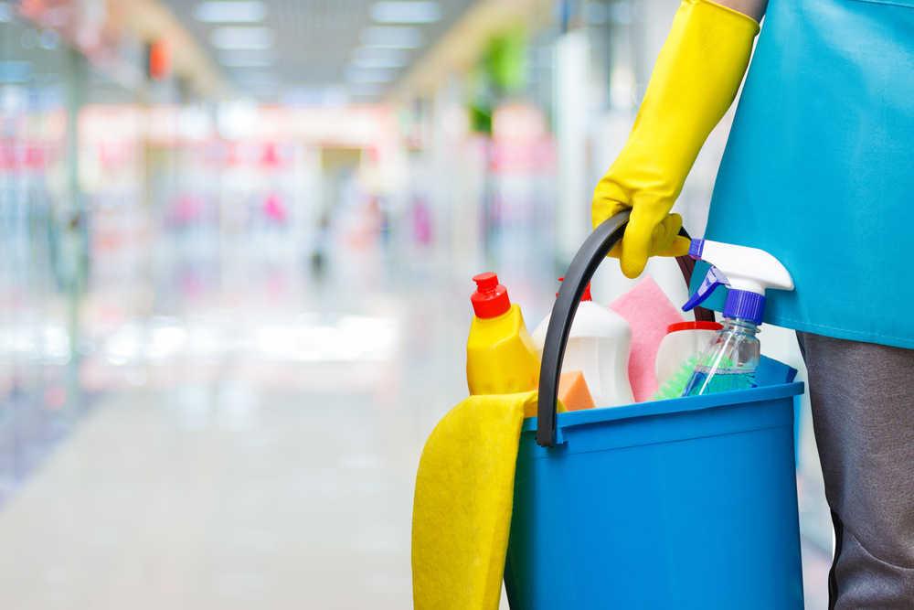 La limpieza a fondo de oficinas y comunidades de vecinos, una actividad apta para profesional