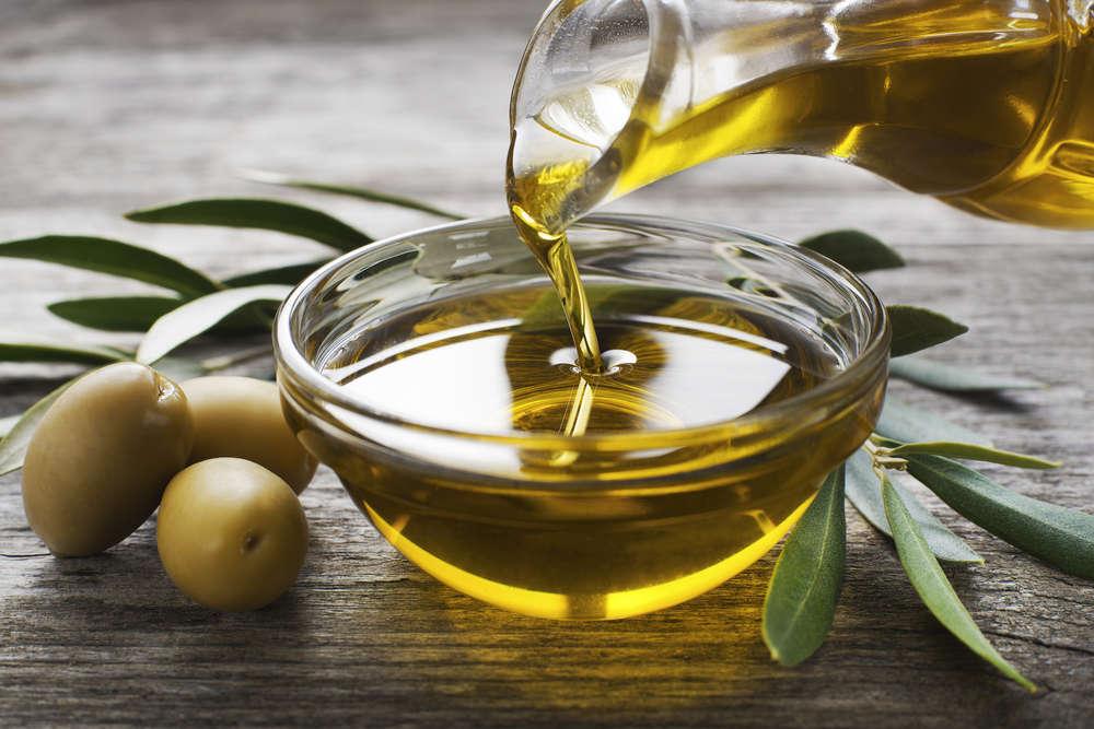 El aceite de oliva y sus beneficios en el hogar