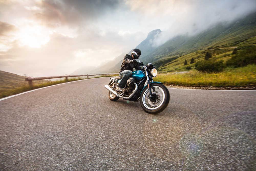 ¿Cuál es la moto más segura para regalarle a mi hijo? Consejos para antes de comprar su primera moto